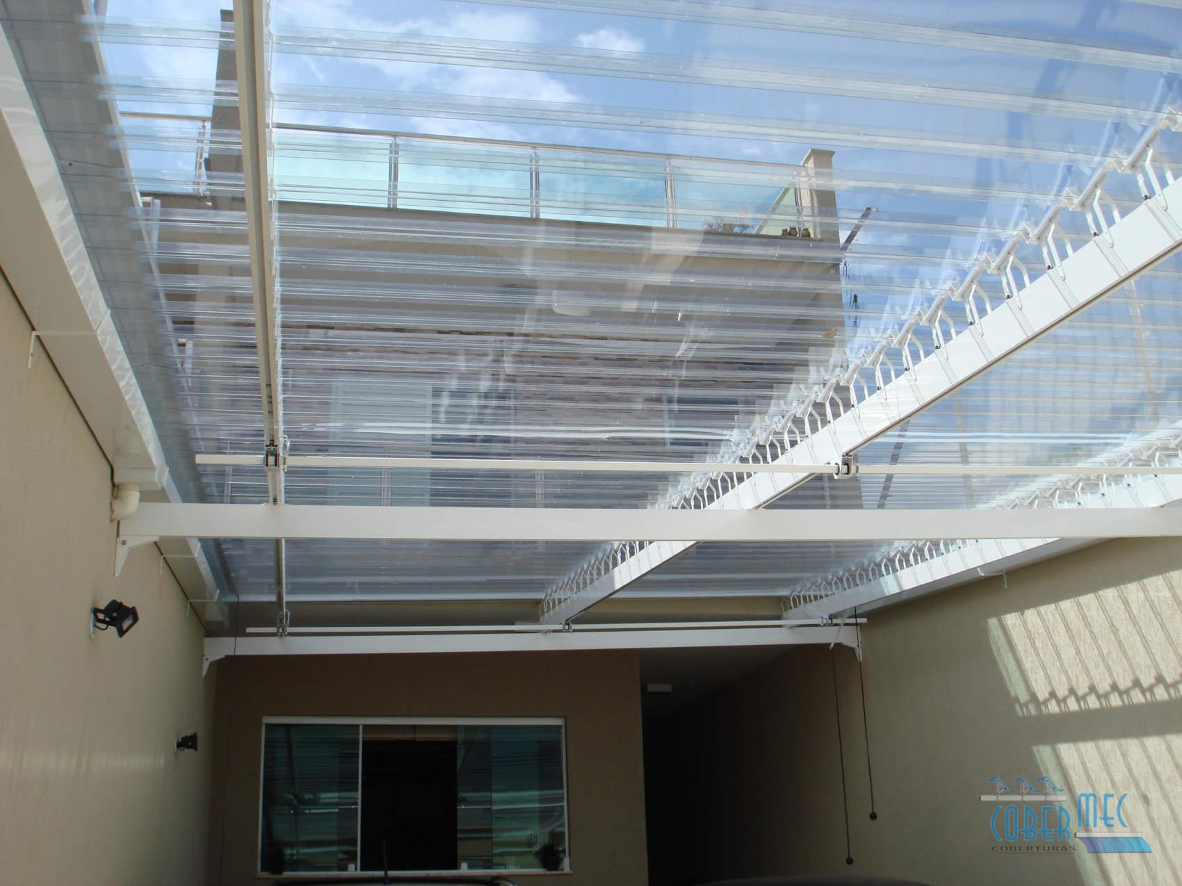 Cobertura em policarbonato cobermec toldos abre e for Materiales para toldos de aluminio